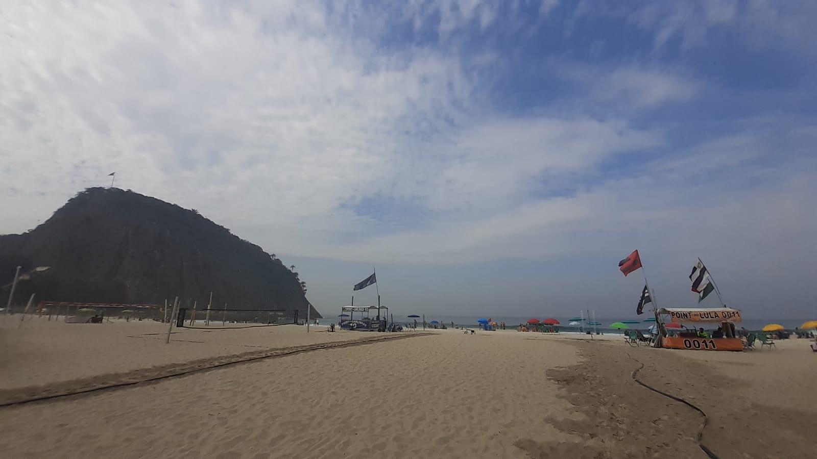 Na imagem, praia do Leme, Zona Sul do Rio