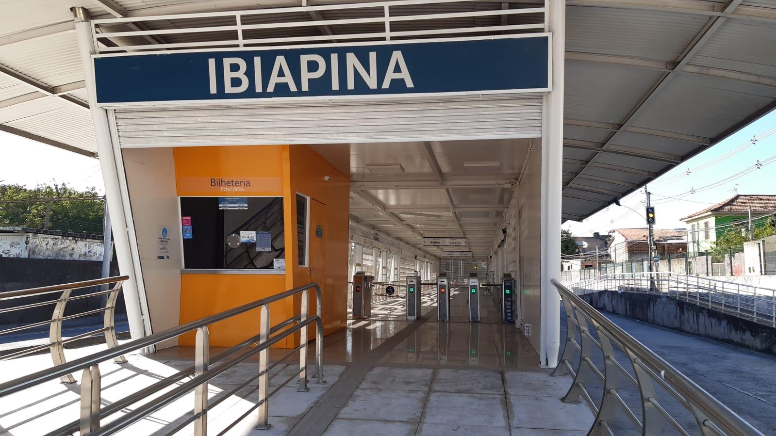 Na imagem, frente da estação Ibiapina, na Penha, Zona Norte do Rio