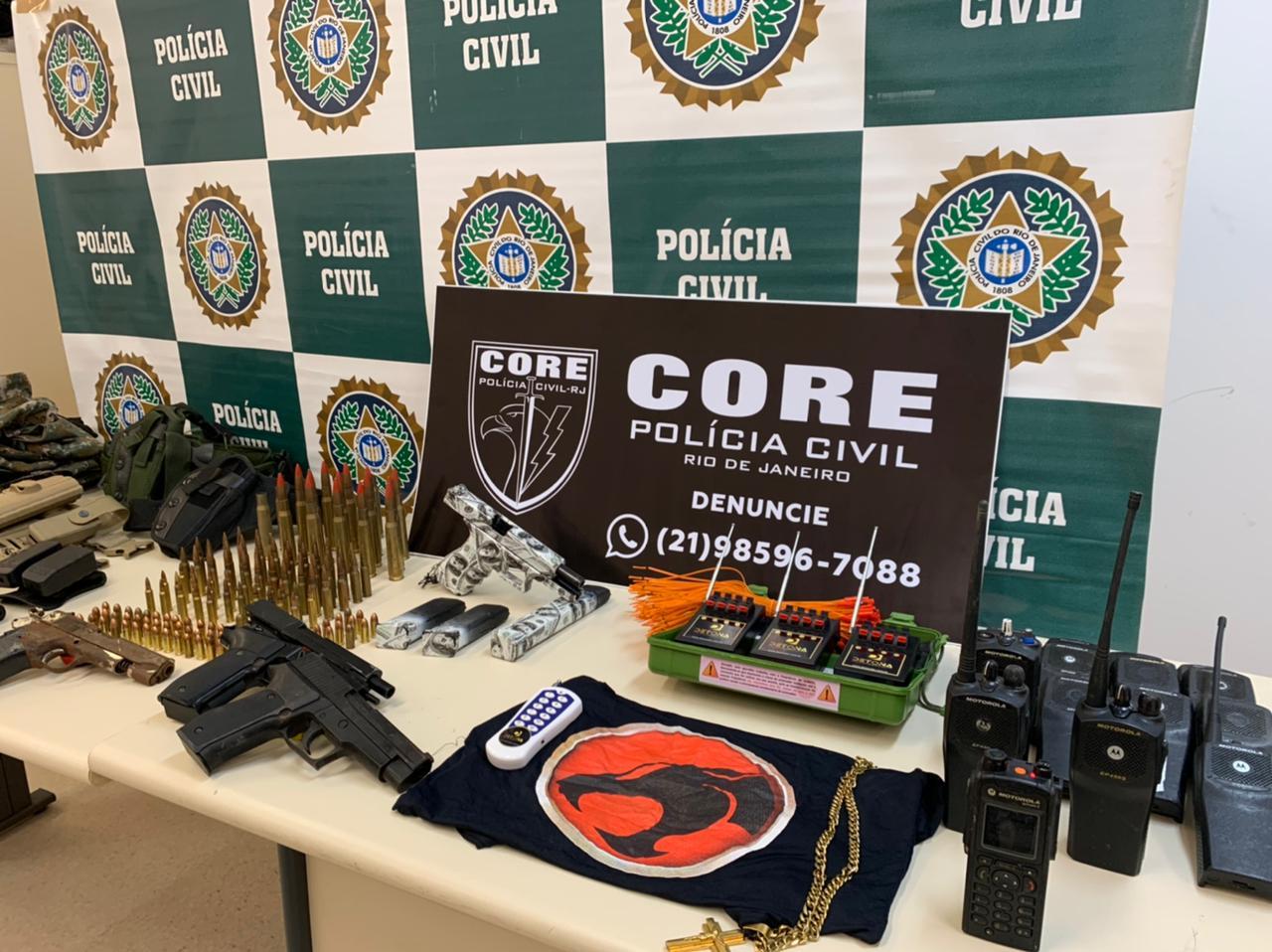 Imagem de armas e munições apreendidas