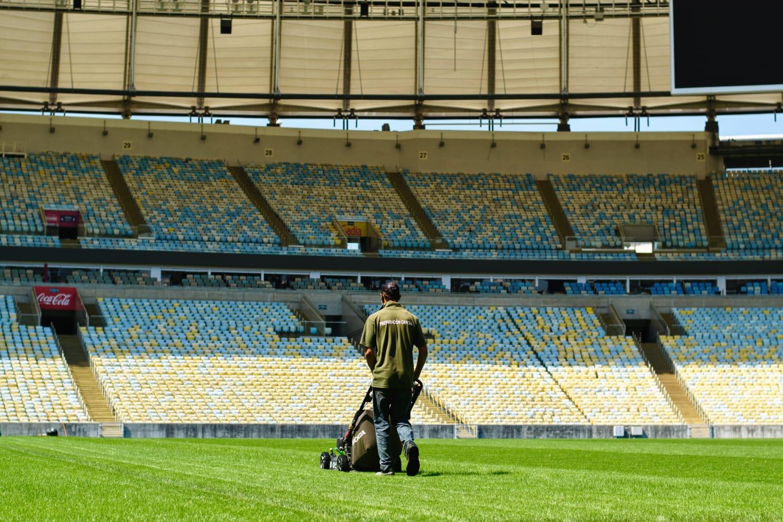 Troca de gramado do Maracanã entra na reta final