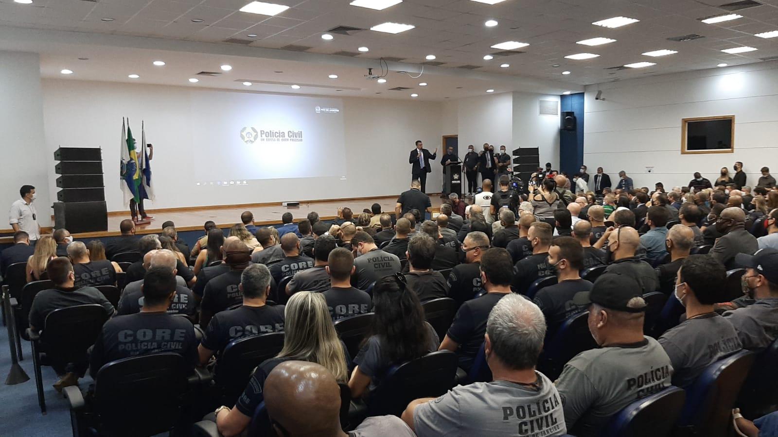 Cláudio Castro anuncia crianção da Lei Orgânica da Polícia Civil