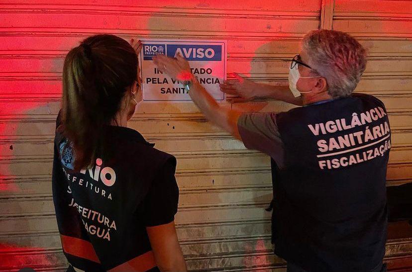 Fiscais da prefeitura interditam restaurante no Itanhangá