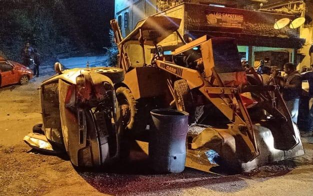 Trator envolvido no acidente