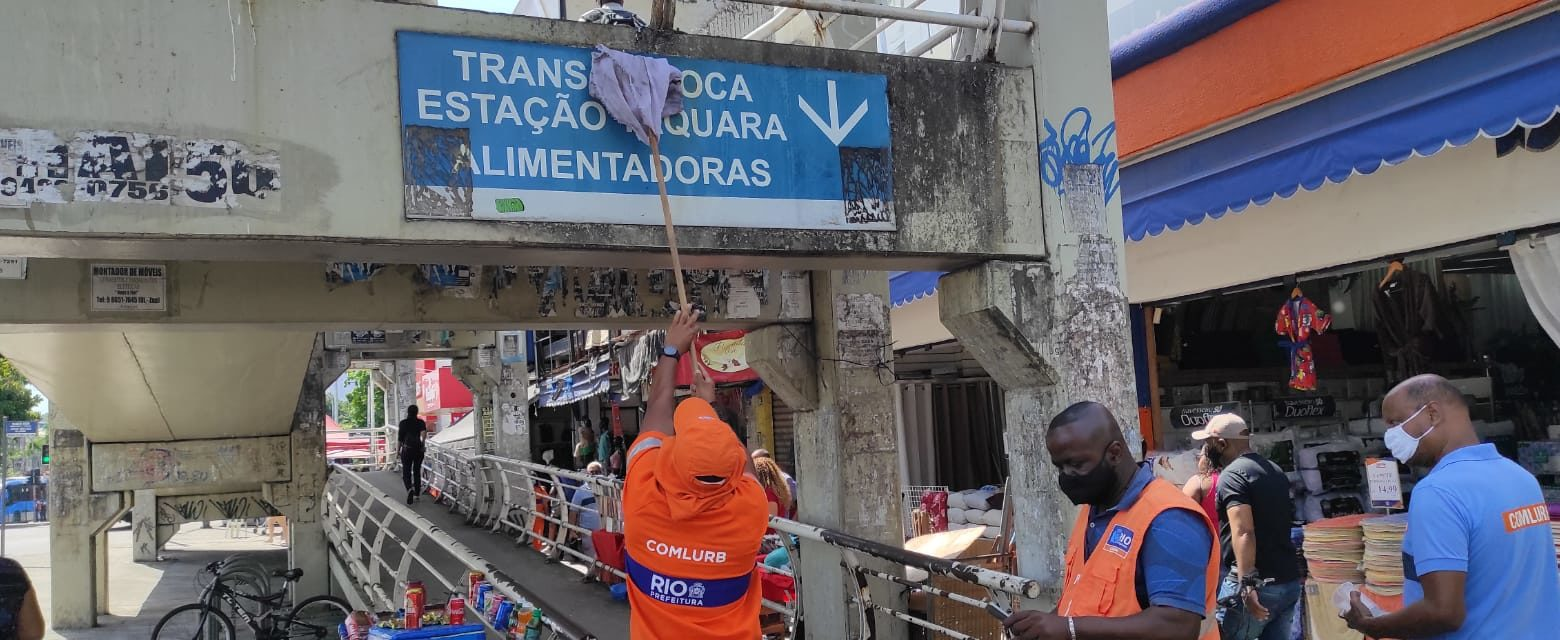 Operação da Comlurb na Taquara