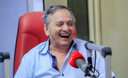Gilson Ricardo fala dos 42 anos de carreira no programa 'Cidinha Livre'