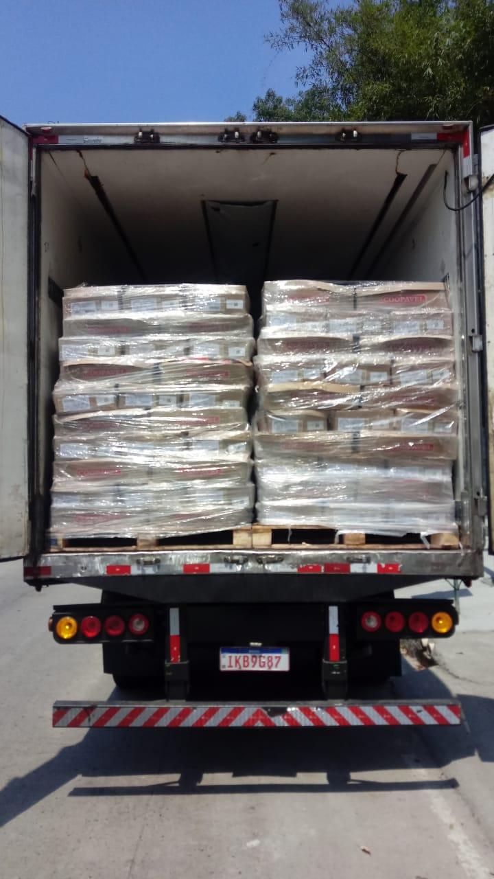 imagem de um caminhão carregado