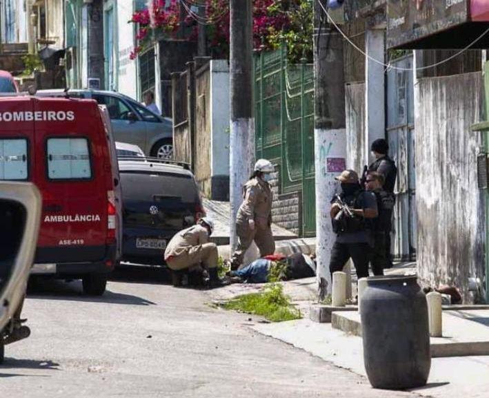 Os feridos foram levados para o Hospital Estadual Alberto Torres, em São Gonçalo