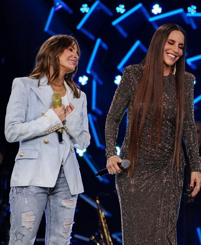 Claudia Leitte e Ivete Sangalo juntas no palco do programa Música Boa Ao Vivo no Multishow