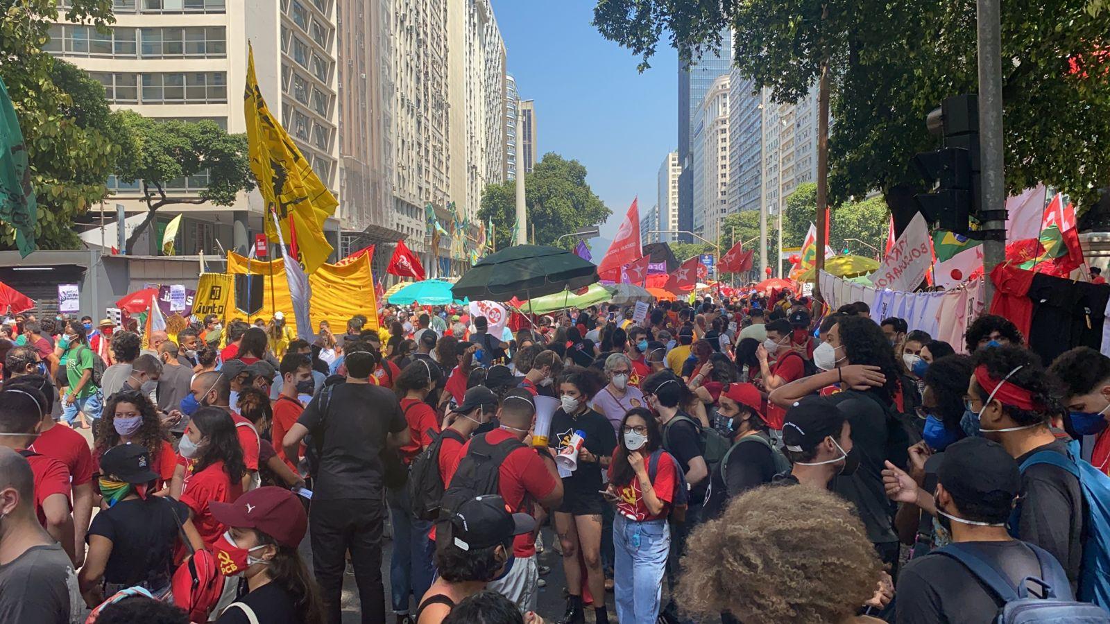 Manifestação contra o governo federal no Centro do Rio (Foto:Tatiana Campbell/Super Rádio Tupi)