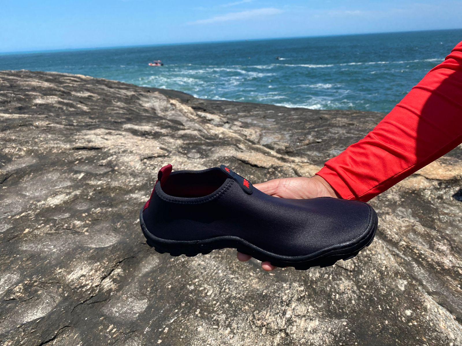 Sapato do militar da Marinha desaparecido em Niterói