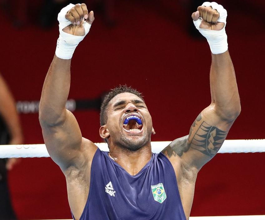 Pugilista avança para a semifinal e garante medalha para o Brasil