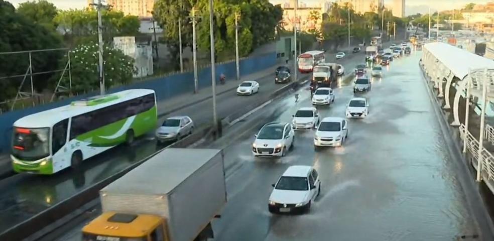 alagamento avenida brasil