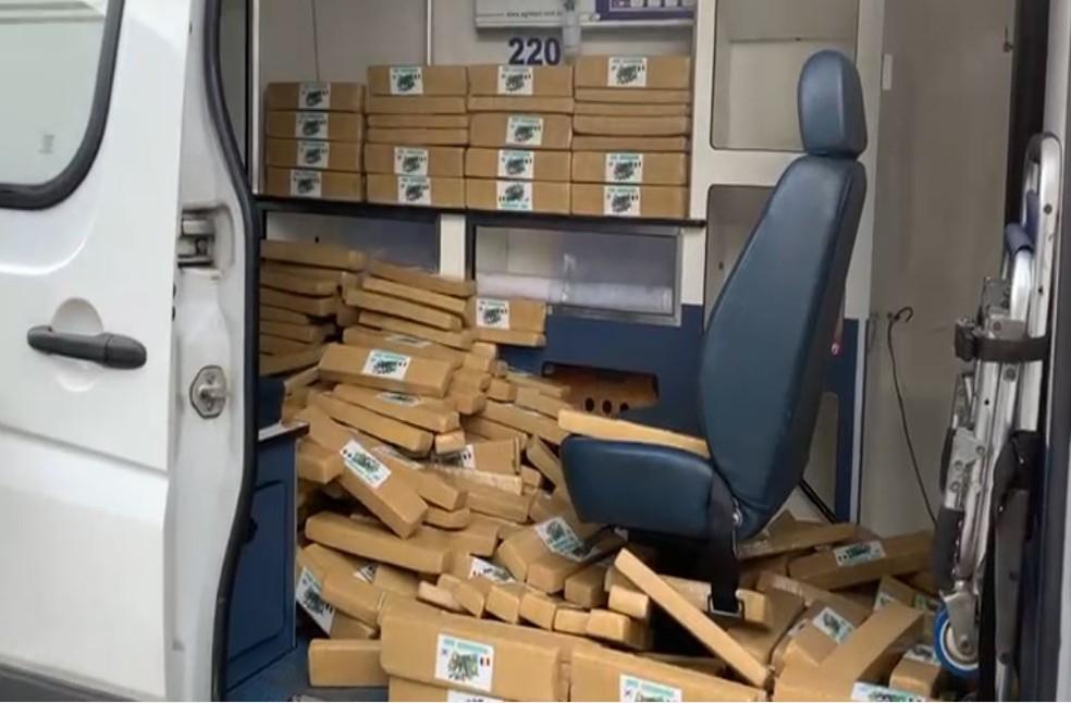 Ambulância com tabletes de maconha
