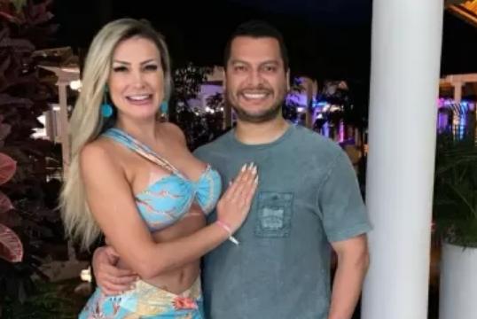 Andressa Urach e marido