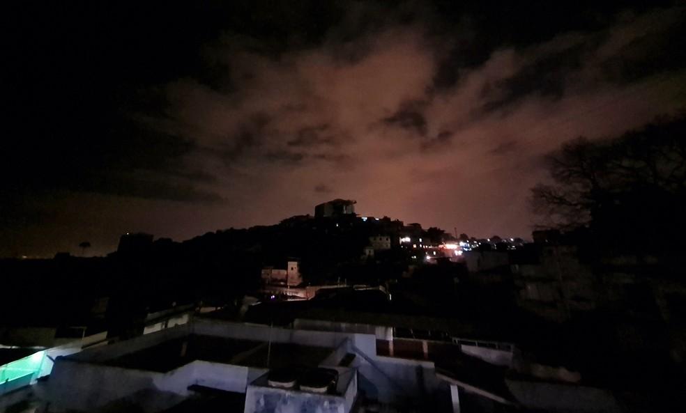 Apagão deixa bairros da Zona Norte do Rio sem luz (Foto: Melissa Cannabrava/ Reprodução: Redes Sociais)