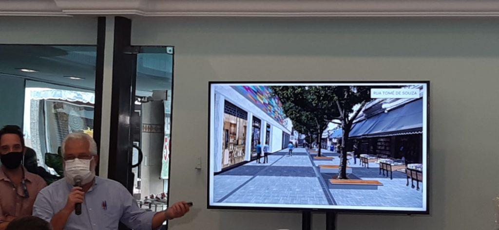 Imagem Secretario Arraes mostrando o projeto
