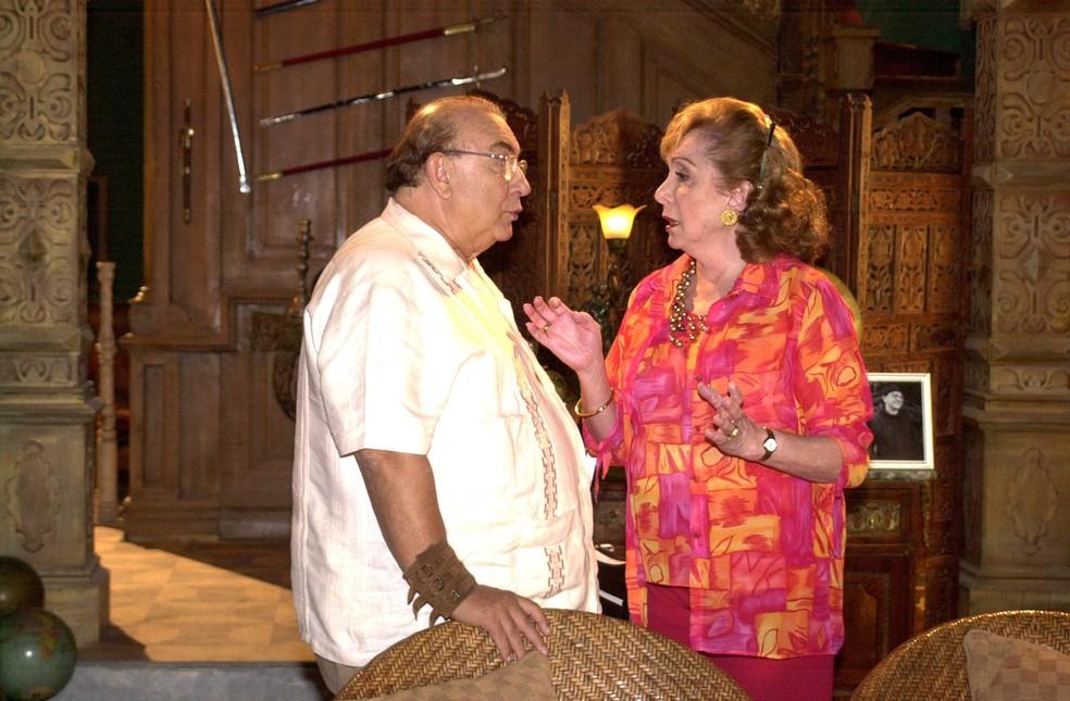 Sérgio Mamberti (Silvano) e Aracy Balabanian (Hermínia) em cena da novela 'Sabor da Paixão', de 2002