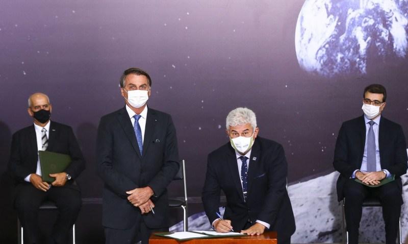 Bolsonaro e Marcos Pontes