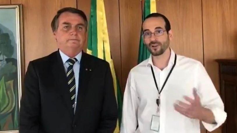 Presidente Jair Bolsonaro ao lado de Arthur Weintraub