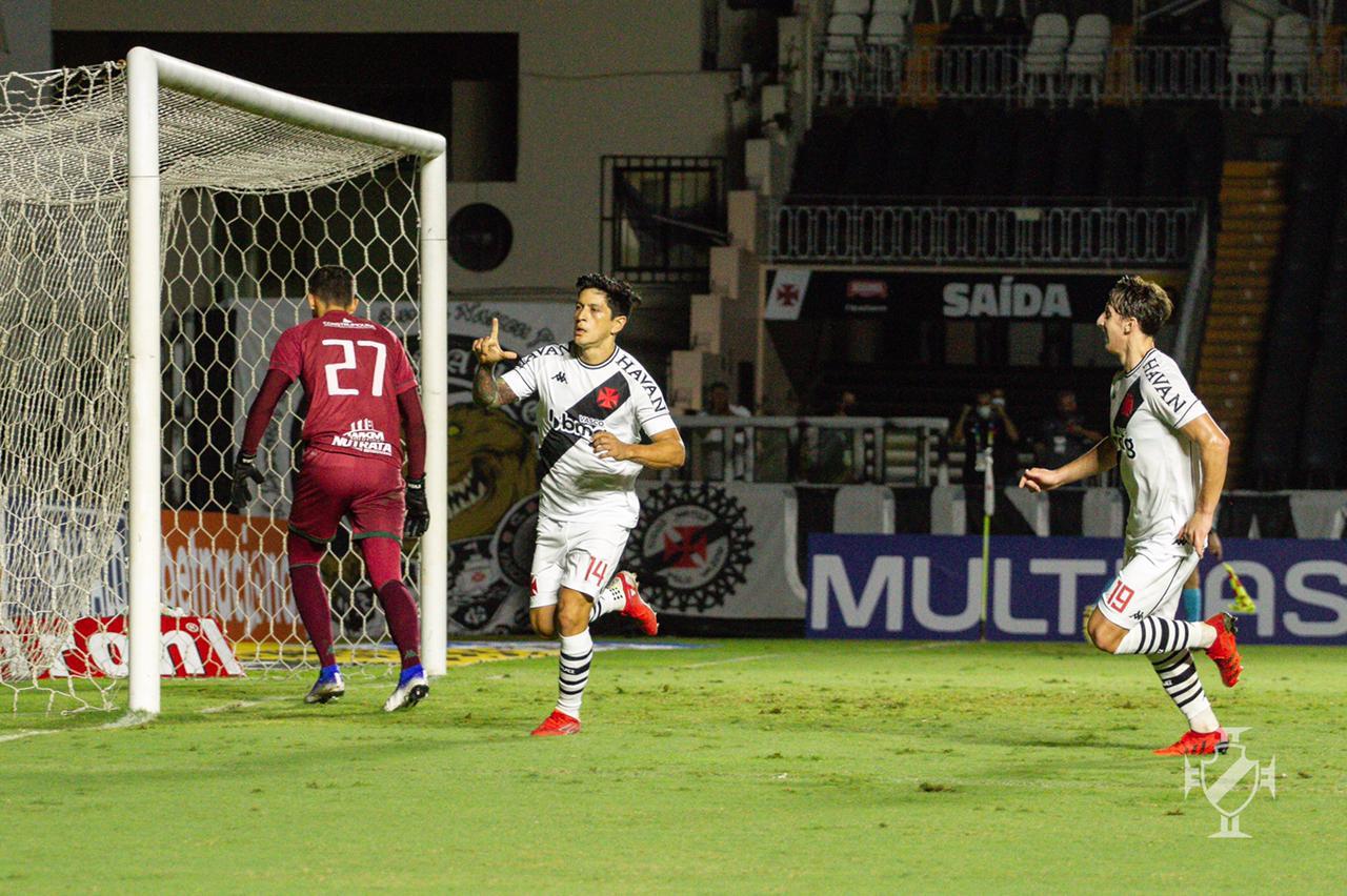 Cano comemora gol de pênalti sobre o Guarani pela Série B