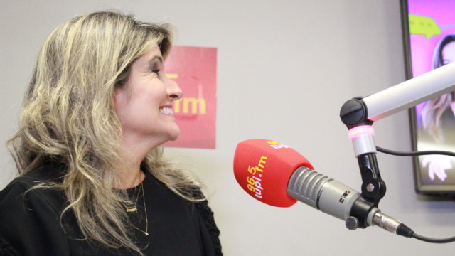 Márcia Pinho no De Frente Com Elas (Foto: Talita Giudice/ Divulgação: Super Rádio Tupi)