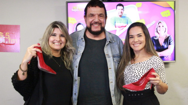 Michael Sullivan, Márcia Pinho e Isabele Benito no De Frente Com Elas (Foto: Talita Giudice/ Divulgação: Super Rádio Tupi)