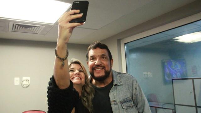 Michael Sullivan no De Frente Com Elas (Foto: Talita Giudice/ Divulgação: Super Rádio Tupi)