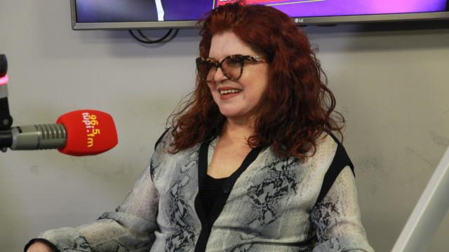 Ex-Frenética e atual astróloga do Show do Antonio Carlos, Leiloca durante o program De Frente com Elas