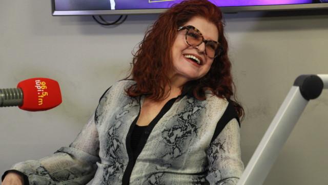 """Ex-Frenética e atual astróloga do Show do Antonio Carlos, Leiloca durante entrevista no programa """"De Frente com Elas"""""""