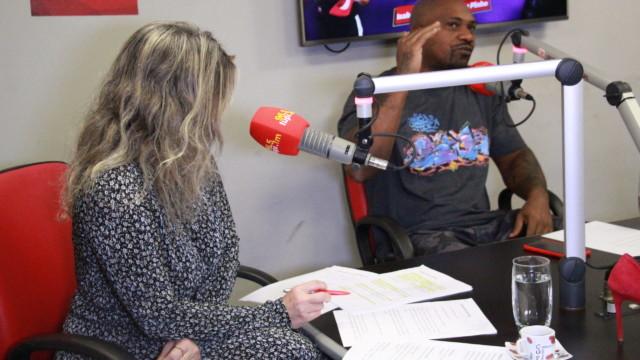 Márcia Pinho e MV Bill no programa De Frente Com Elas (Foto: Talita Giudice/ Divulgação: Super Rádio Tupi)