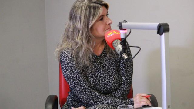 Márcia Pinho no programa De Frente Com Elas (Foto: Talita Giudice/ Divulgação: Super Rádio Tupi)
