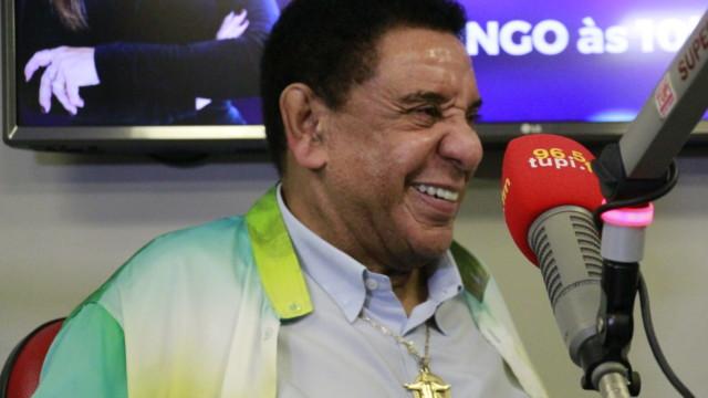 Agnaldo Timóteo sorrindo