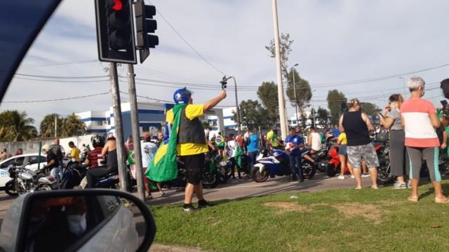 Motociata de Jair Bolsonaro, em Jacarepaguá, na Zona Oeste do Rio (Foto: Marcos Antônio de Jesus / Super Rádio Tupi)