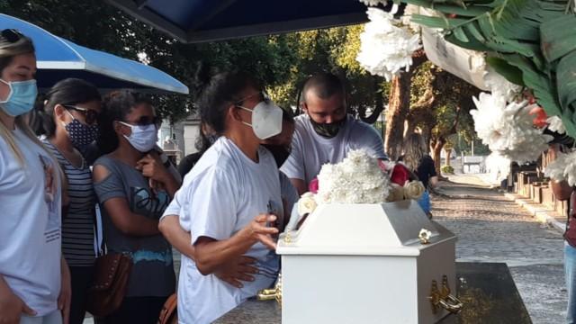 Velório e enterro das vítimas do desabamento em Rio Das Pedras