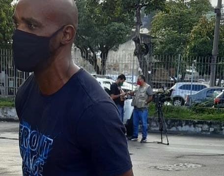 Luciano Gonçalves, pai da modelo Kathlen de Oliveira, morta com uma bala perdida no Complexo do Lins