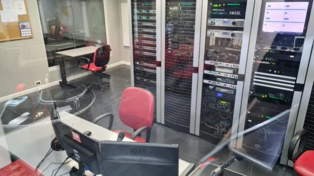 Central técnica da Super Rádio Tupi