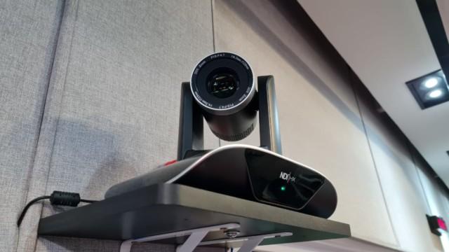 Câmera de alta definição instalada no estúdio principal da Super Rádio Tupi