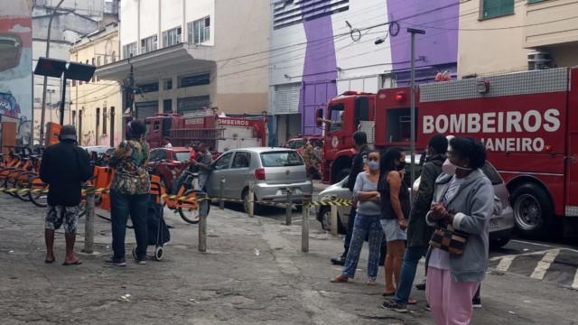 Incêndio atinge loja no Centro do Rio (Foto: Marcos Antônio de Jesus/ Divulgação: Super Rádio Tupi)