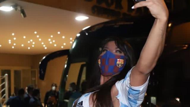 Só de biquíni, Suzy Cortez comemora vitória da Argentina na Copa América