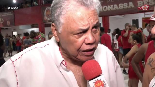 Dominguinhos do Estácio em entrevista na quadra da Viradouro