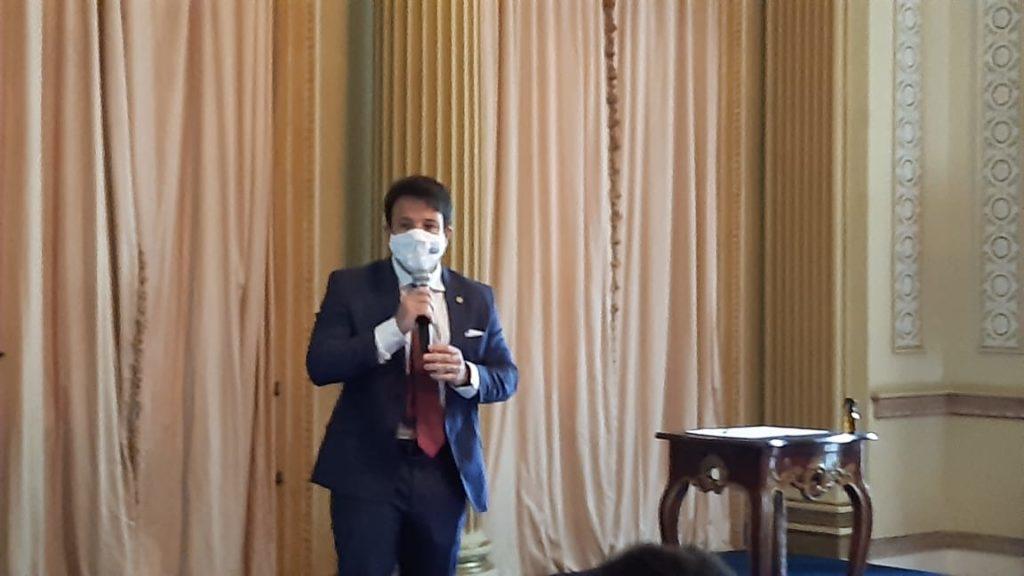 Imagem  de Carlos Caiado, presidente da Câmara