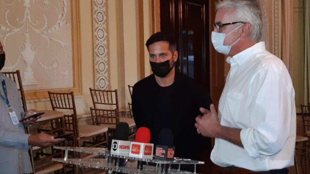 Imagem do secretário Marcelo Calero e o Diretor-Presidente da RioFilme