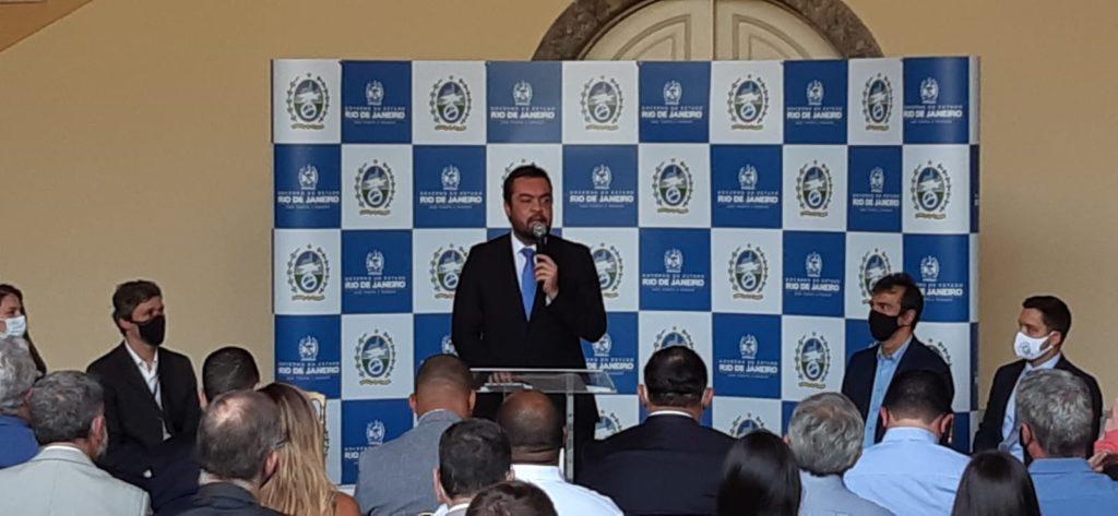 Imagem do governador Cláudio, na cerimônia No Palácio Guanabara