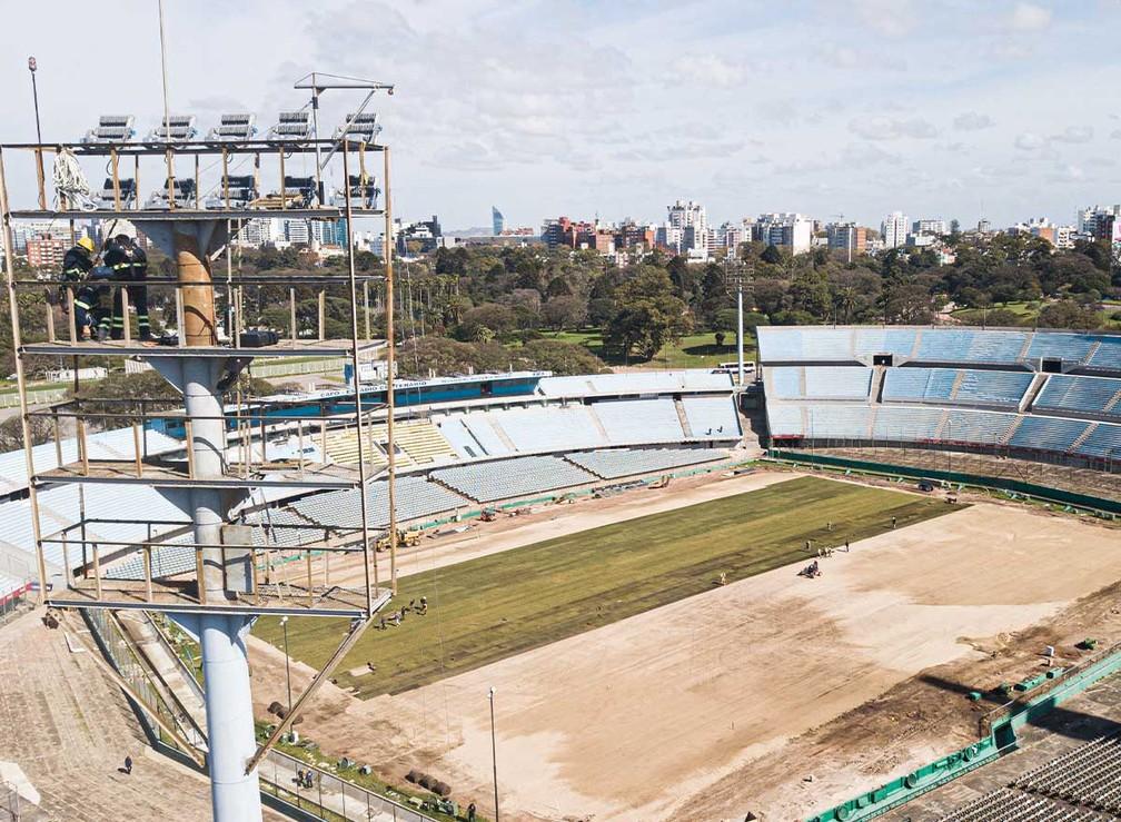 Estádio do Centenário, em Montevidéu, no Uruguai, passa por reformas de olho nas finais da Libertadores e Copa Sul-Americana