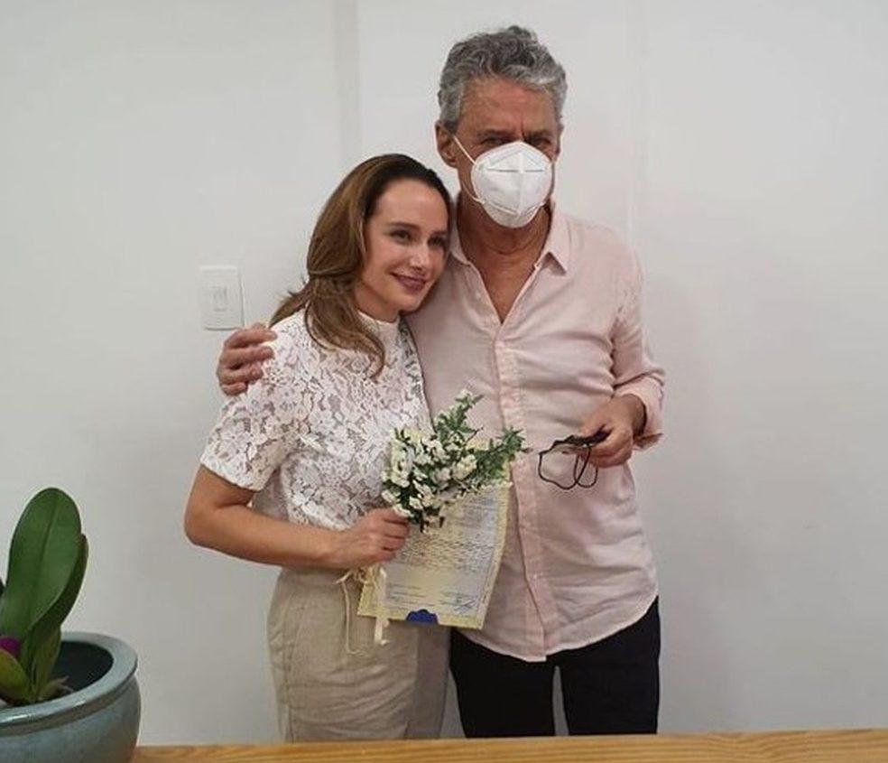 Chico Buarque e a esposa, a advogada Carol Proner