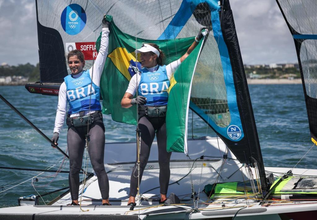 Brasileiras conquistam segunda medalha de ouro consecutiva em Jogos Olímpicos