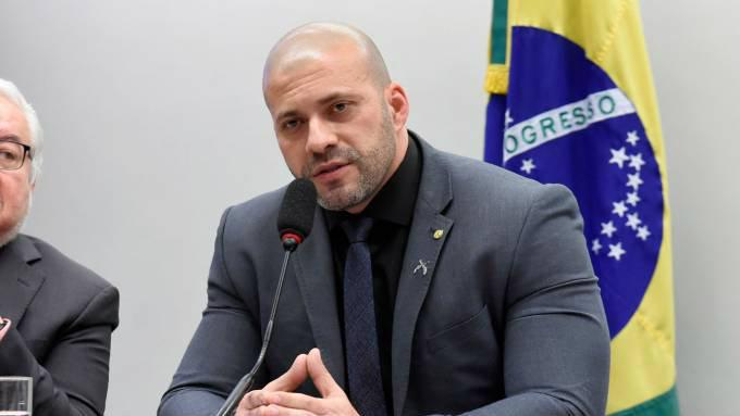 Deputado Daniel Silveira em sessão na Câmara dos Deputados
