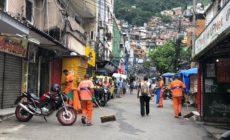Comlurb realiza trabalho de higienização em comunidades do Rio