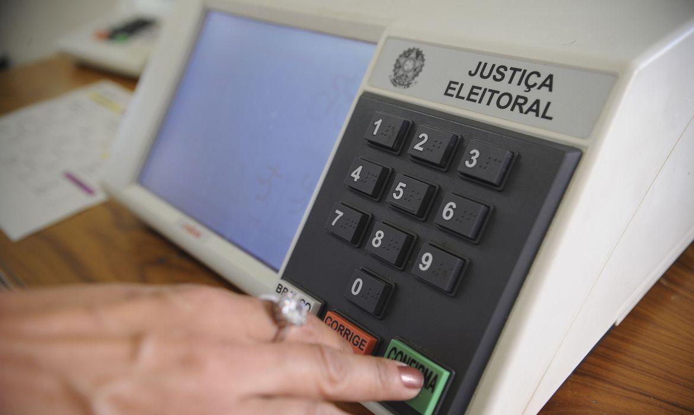 Imagem de uma urna eletrônica