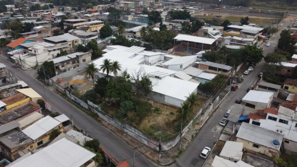 Escola está sendo construída em Nova Iguaçu